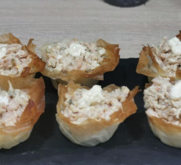 Tartaletas crujientes de marisco.